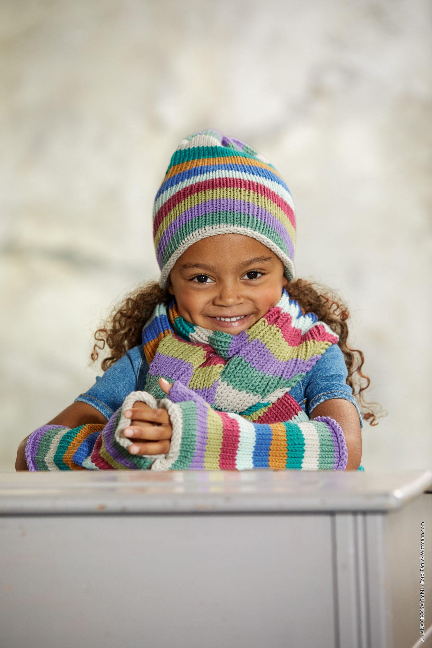 Modello di guanti a fasce multicolori per bambini ai ferri Lana Grossa Bingo - Fornasari Distribuzione
